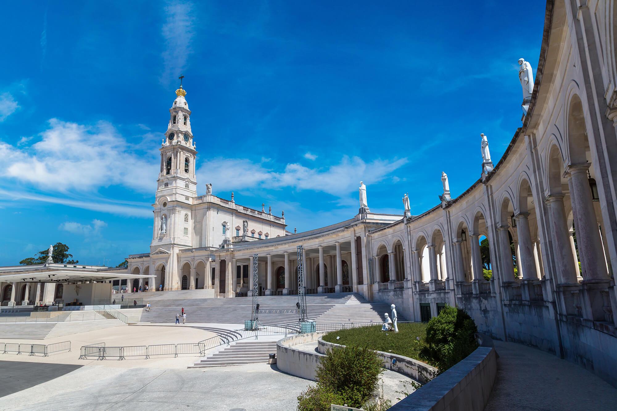 Basílica Nª Sr.ª do Rosário de Fátima | VISITFATIMA